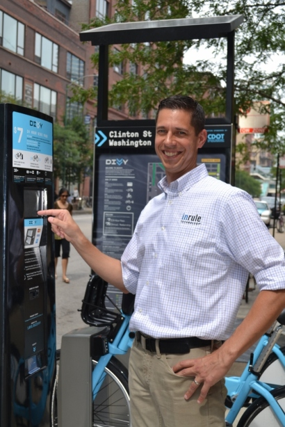 Author Mike Grucella checks out the Chicago Bike Sharing Program Divvy.